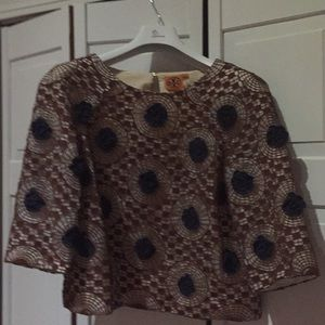 Brown crochet top with blue flowers